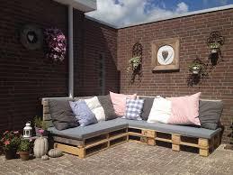 canapé de jardin en palette design exterieur salon jardin palette canapé jardin angle coussins