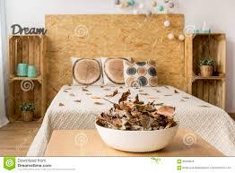chambre à coucher pour un amant de nature photo stock image du