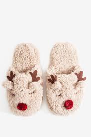 best 25 winter slippers ideas on pinterest slipper boots women s socks raindeer sherpa slippers a gaci