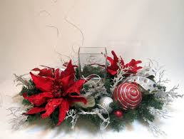 Homemade Christmas Floral Table Decorations by 285 Best Christmas Flower Arrangements 2 Images On Pinterest
