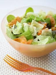 cuisine au feminin recette ravioles et saumon en salade notre recette ravioles et