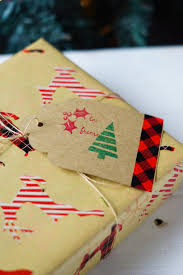 rustic christmas wrapping paper easy inexpensive rustic christmas gift wrapping ideas clever