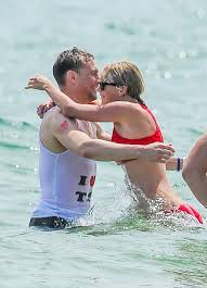 Rhode Island travel vests images Night manager star tom hiddleston chills with taylor swift jpg