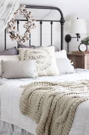 Best  Farmhouse Bedrooms Ideas On Pinterest Modern Farmhouse - Cottage bedroom ideas