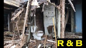 Trash House This Abandoned House 65 Is Wrecked Beyond Trash Youtube