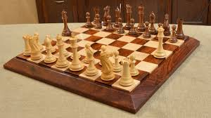 buy chess board with pieces combo online in sheesham wood
