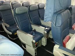 Delta Comfort Plus Seats The Delta 737 900er Jet Modern Sleek U0026 A Nice Upgraded Travel