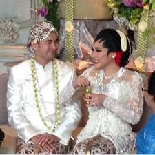 wedding dress nagita slavina raffiah on pengantin baru raffi farid ahmad nagita