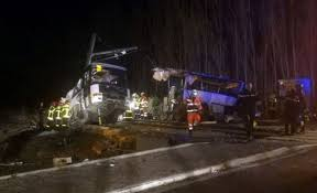 Hit The Floor Quebec - 4 children dead after bus and train collide in france