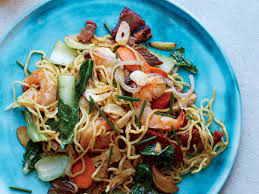 thanksgiving noodles recipe shrimp and pork pan fried noodles recipe sheldon simeon food