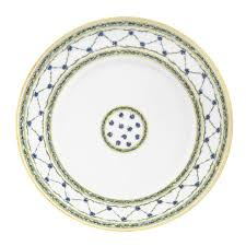 wedding china patterns 15 best classic china patterns for your registry vogue