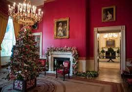 donald trump white house decor trump u0027s white house is decked out for the holidays politico