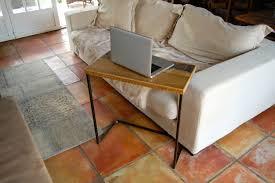table ordinateur portable canapé bout de canapé table ordinateur portable meuble sur mesure