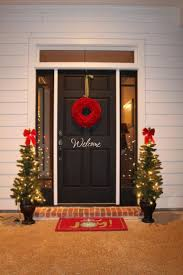Lighted Christmas Decorations by 360 Best Front Door Christmas Decorating Ideas Images On Pinterest