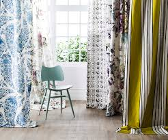 expert tips on how to choose the right colour drapery