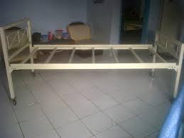 Tempat Tidur Besi Lipat 14 model tempat tidur besi desain kamar tidur