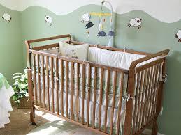 quand mettre bébé dans sa chambre aménager une chambre feng shui à bébé parents fr