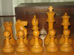 can anyone identify the maker of my vintage club staunton chess