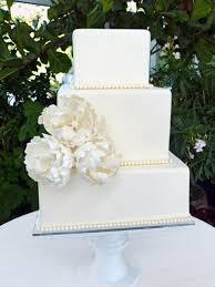simple wedding cakes 7 sweet simple wedding cakes weekly wedding inspiration