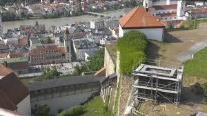 Wetter Bad Fuessing Ab August Verbindet Ein Aufzug Die Verschiedenen Ebenen Der Veste