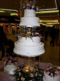 wedding cakes with fountains bonnie belles pastries wedding cakes 4 tier dot cake with
