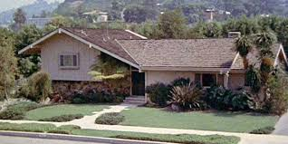 the real brady bunch house los angeles california brady bunch house ransacked inkfreenews com