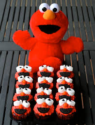 elmo cupcakes p is for party for elmo cupcakes
