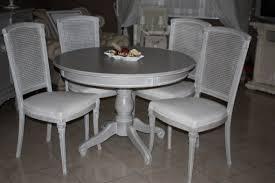 table ronde et chaises les 25 meilleures idées de la catégorie table ronde bois sur les