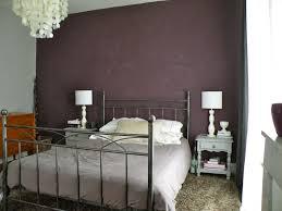chambre couleur aubergine couleur peinture aubergine avec quelle couleur associer avec