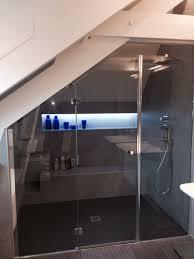 salle de bain dans chambre sous comble salle de bain sous pente de toit 7 salle de bain dans