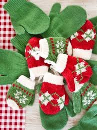 how to make a mitten garland advent calendar hgtv