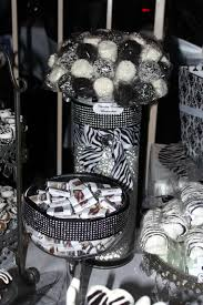 Black And White Candy Buffet Ideas by Black U0026 White Candy Table Black U0026 White Sweet 16 Candy Table