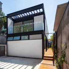 Compact House Compact Leisure Home Pays Tribute To Brazilian Modernist