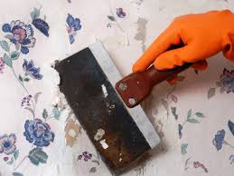 Easy Apply Wallpaper by How To Remove Wallpaper Using Solvents Or Steam Hgtv
