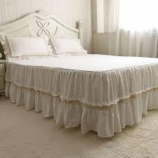 Anthropologie Bed Skirt Best 25 White Bed Skirt Ideas On Pinterest White Quilt Bedding