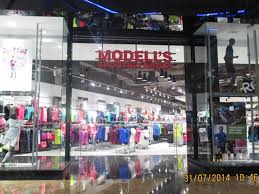 Modells Modella U0027s Dubai Sporting Goods Store Mall Of The Emirates