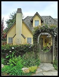 Small Cottage Homes Best 25 Cottages Ideas On Pinterest Cottage Tiny Cottages And