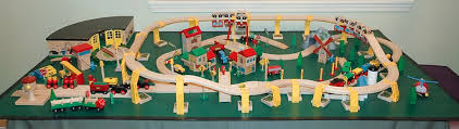 fold up train table brio wooden railway guide