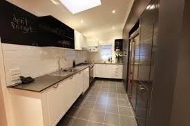 cuisine en i cuisine en i cuisine moderne avec lot with cuisine en i