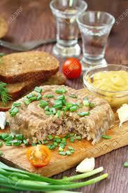cuisine traditionnelle russe cuisine nationale plat traditionnel russe holodets viande en