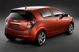 Famosos 2012 Chevrolet Sonic - Information and photos - ZombieDrive @UA12