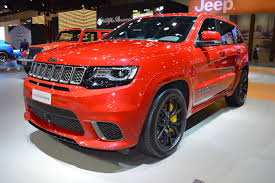 jeep hawk track jeep grand cherokee trackhawk front three quarters left side at