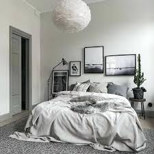 chambre deco scandinave chambre nordique linge de maison differentes teintes du gris idee