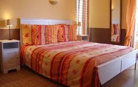 chambre d hote cucuron les 3 saisons chambres d hôtes à cucuron au coeur de la provence