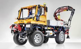 mercedes benz and lego team up to create amazing scale unimog u400