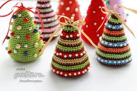 crochet christmas colorful christmas trees pattern no 052 zoom