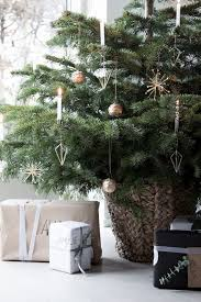 christmas decorating 20 best christmas decorating ideas tips for stylish holiday
