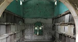 mausoleum cost disrepair of 100 year oak hill cemetery mausoleum has no easy
