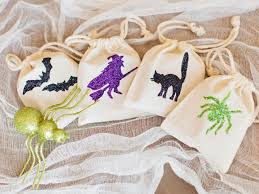 halloween goody bags glittered halloween party favor bags hgtv