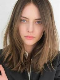 shoulder length thinned out hair cuts shoulder length thin straight hair cut into on ends for